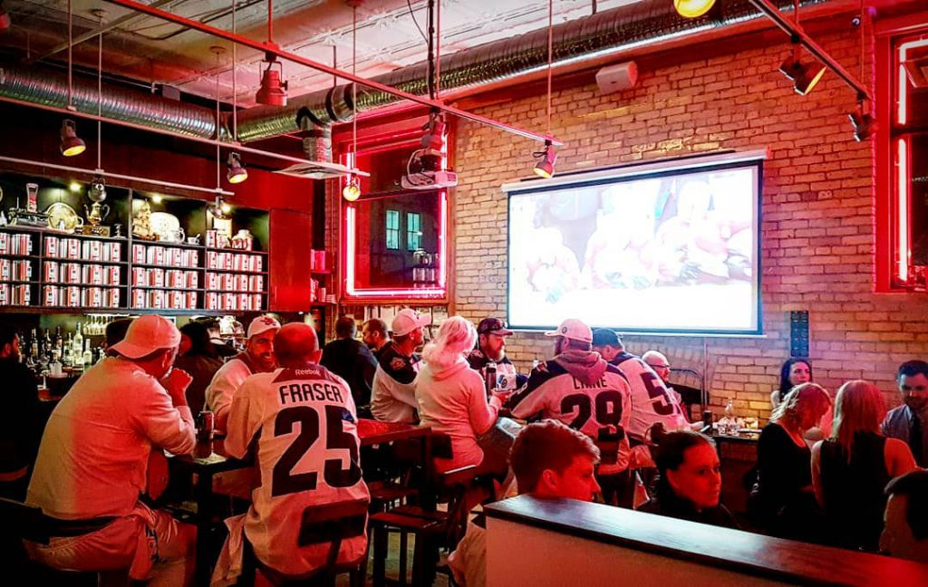 Watching the Jets, Winnipeg Jets, People Drinking