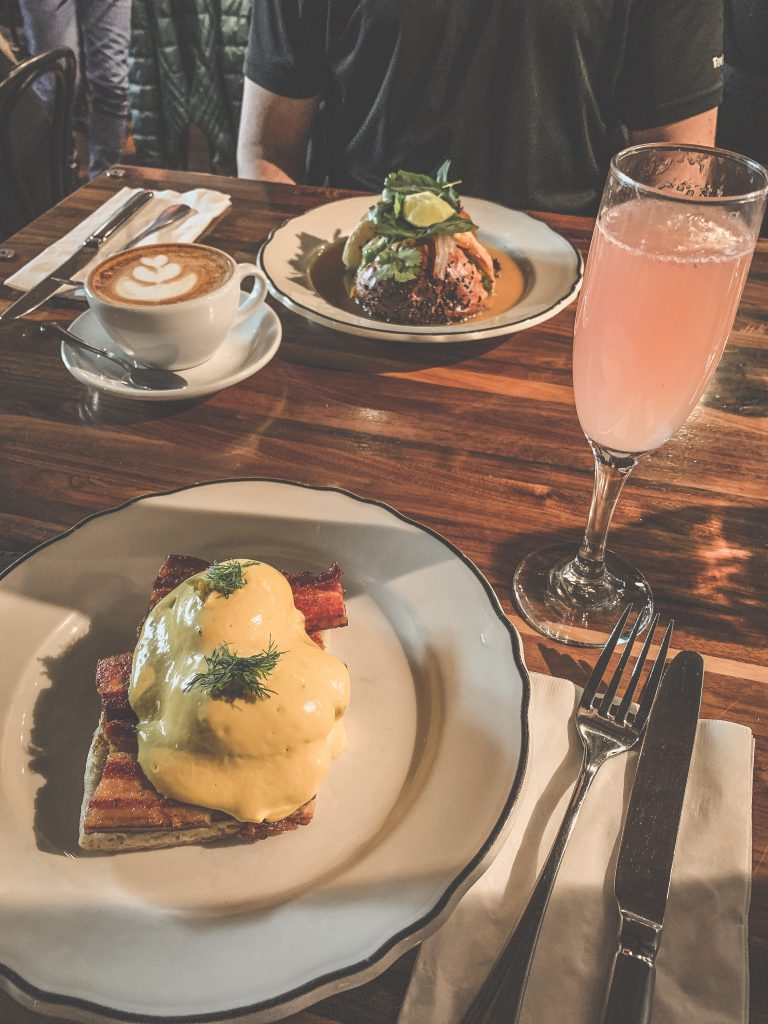 Clementine, Breakfast, Eggs Benedict, Exchange District, Shop Local,Cappuccino, Mimosa,Burger Dip, Downtown Living