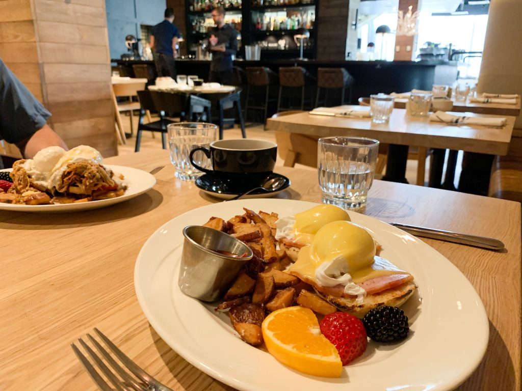 Breakfast, Smith Restaurant, Inn at The Forks, The Forks, Meet Me At The Forks, Downtown Winnipeg, Downtown Living Winnipeg, Winnipeg, 300 Main Downtown Winnipeg Apartments, Winnipeg Restaurants, Downtown Winnipeg Restaurants, Where To Eat Winnipeg Downtown, Eggs Benedict